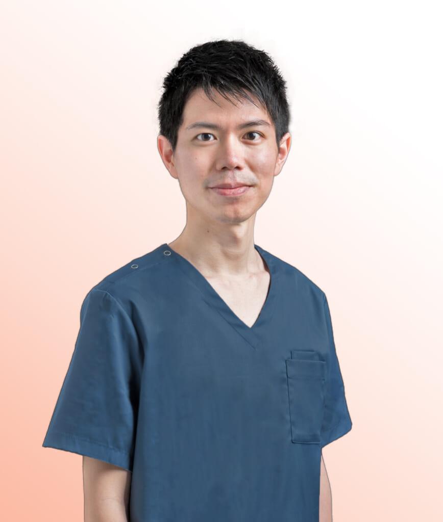 ベル歯科・矯正歯科院長の正面写真